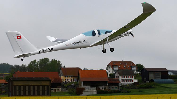Un nuevo avión solar completa primer vuelo
