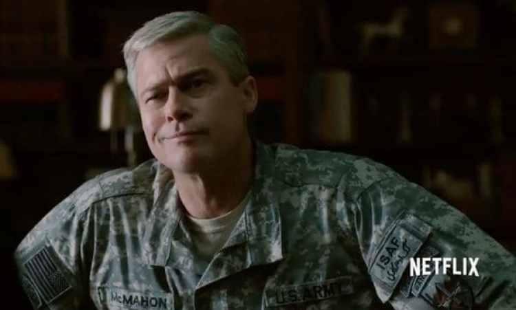 Brad Pitt interpreta al general Glen McMahon.