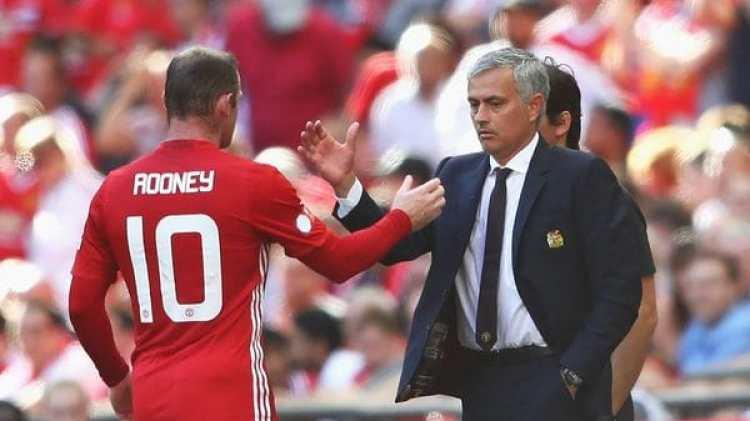 Desde la llegada de Mourinho, Rooney perdió lugar en el plantel (Getty)