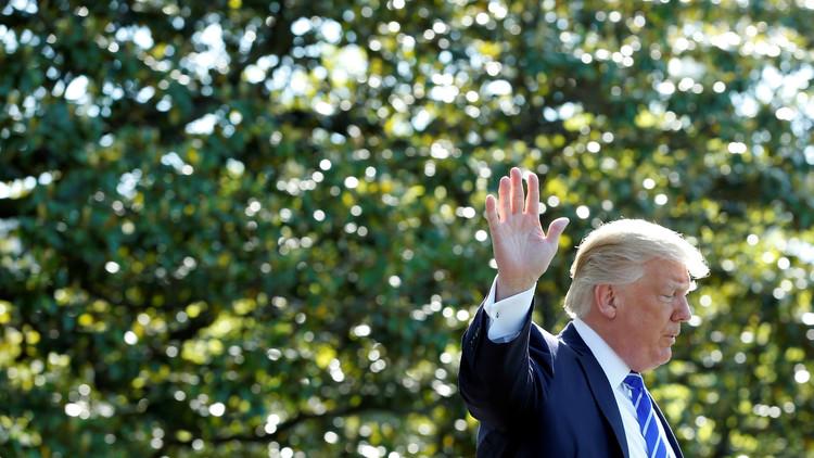 John Kelly sugiere a Donald Trump usar un sable contra la prensa