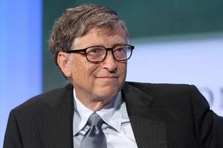 Durante años Bill Gates ha apoyado a los más graduados universitarios a crecer profesionalmente y a explorar en sus capacidades personales