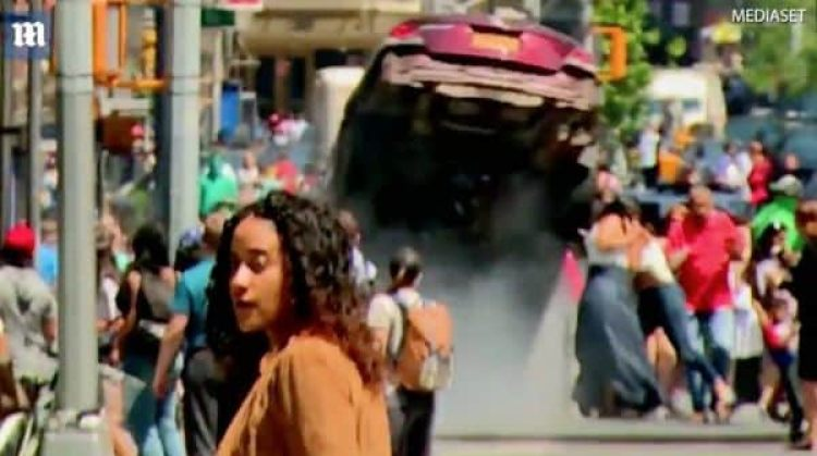 El momento del impacto del auto en Times Square