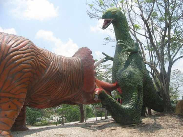 """""""El imaginó tener dinosaurios en su parque mucho antes que Steven Spielberg creara Jurassic Park"""", dijo su hijo Juan Pablo"""