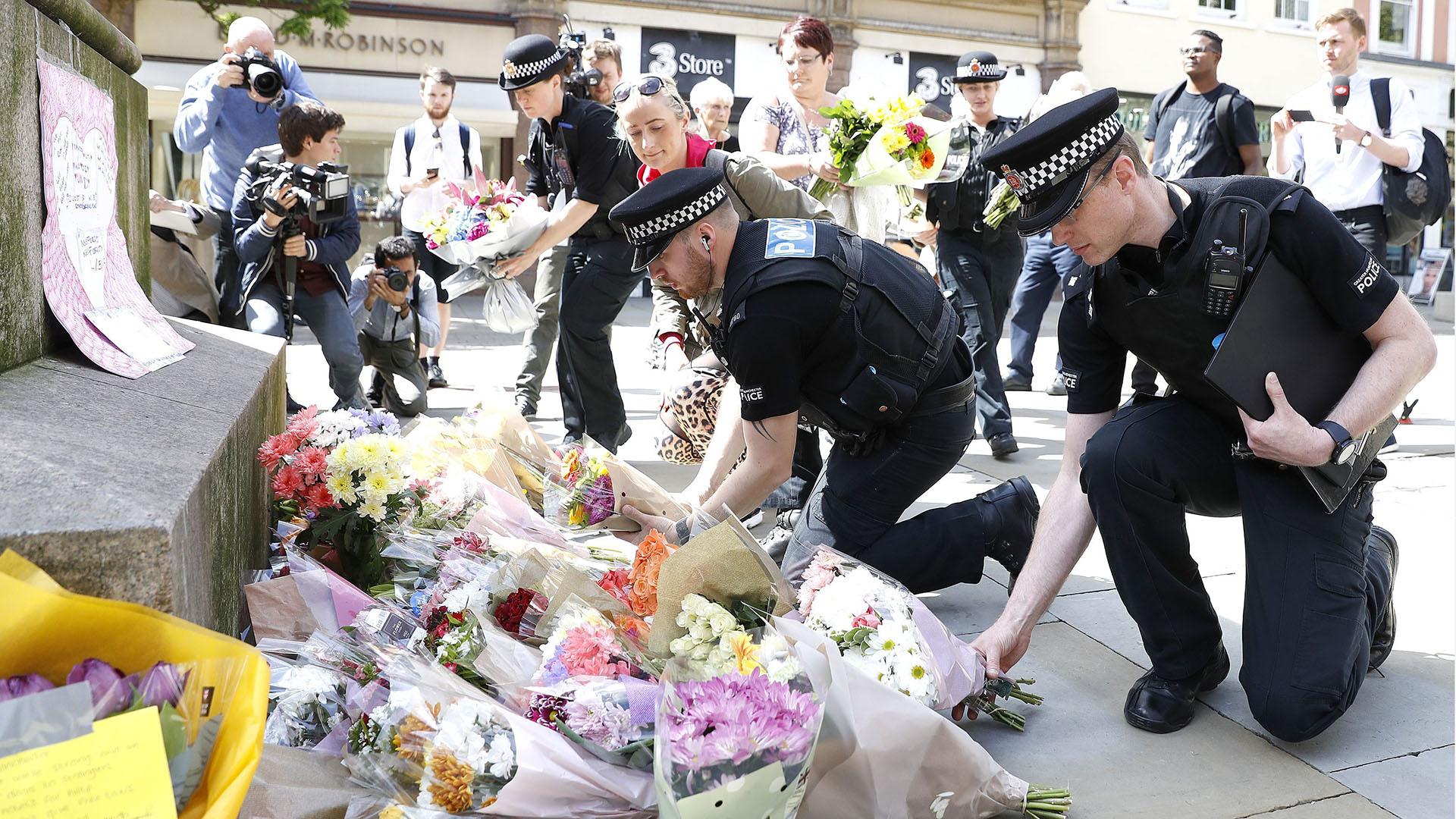 Ariana Grande suspende gira tras el atentado en Manchester