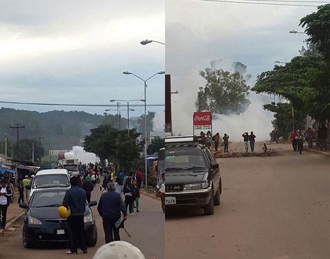 Momentos del enfrentamiento entre la Policía y comunarios de Camiri. Foto: Mildred Robles