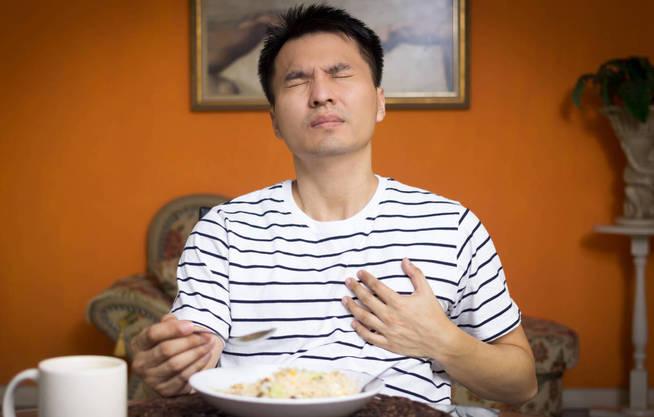 Mucho cuidado a la hora de comer. (iStock)