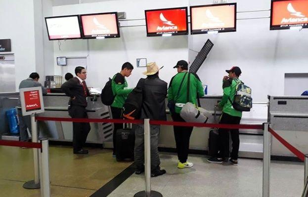Petrolero se fue a Ecuador sin DT y cuatro jugadores