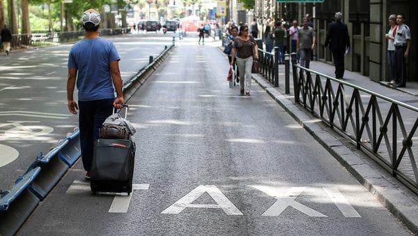 Los aeropuertos quedaron vacíos en Madrid y Barcelona (Reuters)