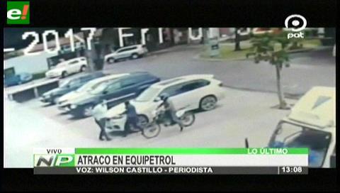 Video: Delincuentes en moto atracan a un hombre en Equipetrol