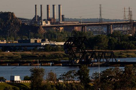Vista de una planta de energía en East Rutherford, Nueva Jersey (EEUU). Foto: EFE