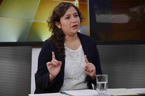 La ministra de salud, Adriana Campero, en el programa 'El pueblo es noticia'.