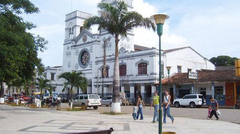 La Catedral y plaza principal de Trinidad