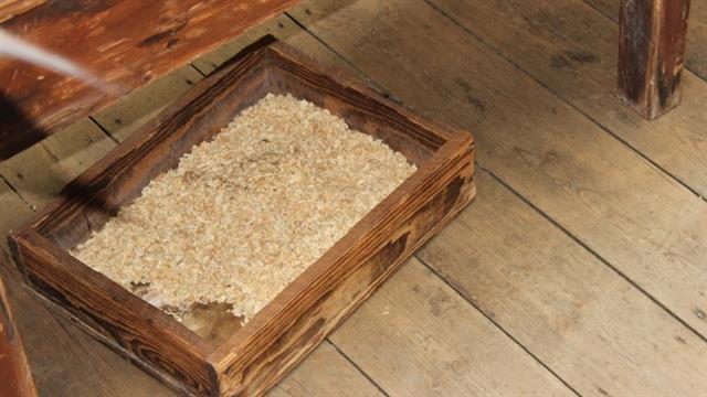 La sangre de las operaciones se recogía en un cajón con serrín o arena.