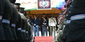 Romero recibe silbatina e interrumpe su discurso en acto policial