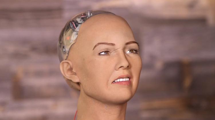 Vuelve Sofía, el robot estadounidense que prometió aniquilar la humanidad (VIDEO)