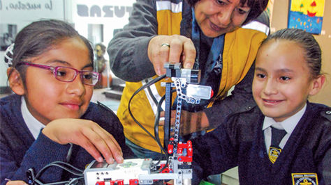 El curso de robótica educativa tiene como objetivo enseñar a construir un robot