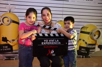 Angélica Mérida con sus hijos Valentina y Francisco