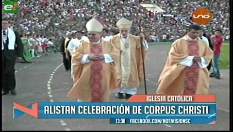 Fieles oran en Fiesta de Corpus Christi por la paz de México