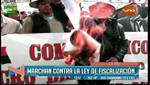 La Paz: Vecinos de Cotahuma marchan y piden anular Ley de Fiscalización Territorial