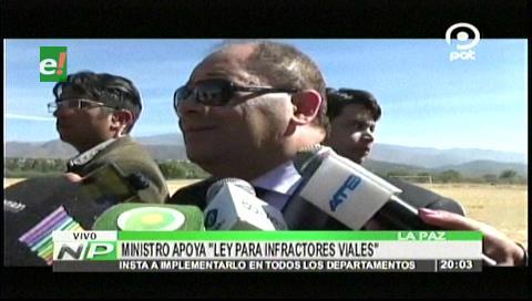 Ministro Romero apoya ley municipal para infractores viales