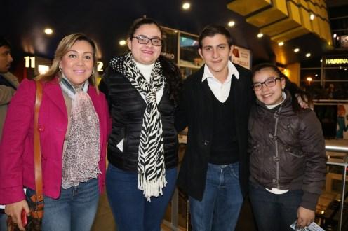 Fabiola Estremadoiro, Belén Gutiérrez, Miguel Estremadoiro y Karina Estremadoiro