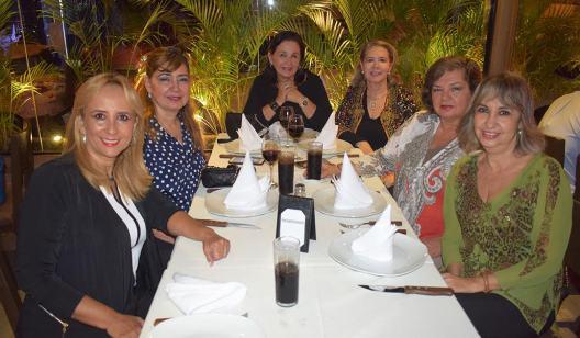 Dunia Velarde, Gina Suarez, Mónica Aguilera, Gina Vaca Diez, Emy Suarez, Chochy Ortiz