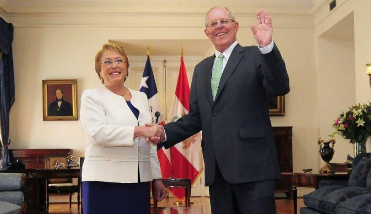Bachelet llega a Lima para reunirse con Pedro Pablo Kuczynski y encabezar primer gabinete binacional