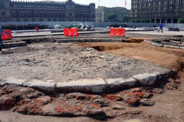 La plataforma circular del Zócalo del Monumento a la Independencia, proyectado en 1843 y que nunca se erigió (AFP/INAH)