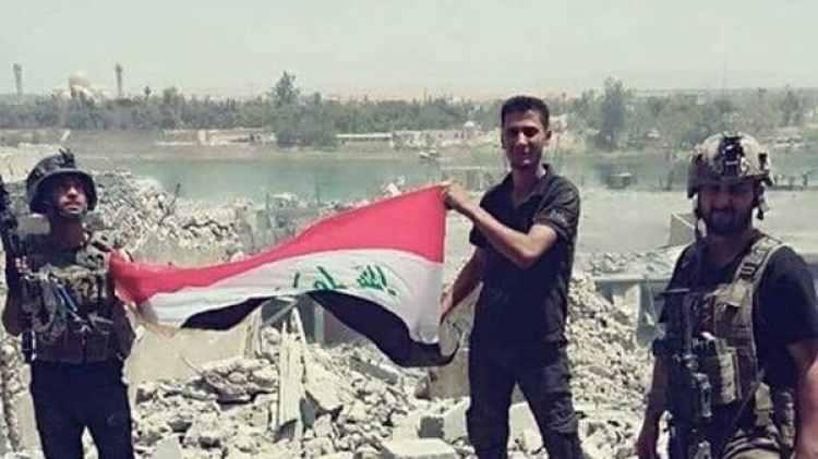 Tropas iraquíes en la ribera del Tigris, tras haber penetrado en el último reducto del ISIS (@iraqi_day)