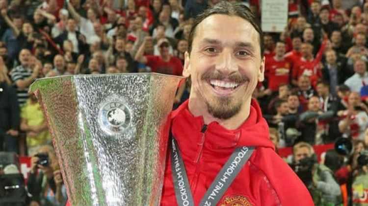 Ibrahimovic levantó la Europa League la última temporada con el United