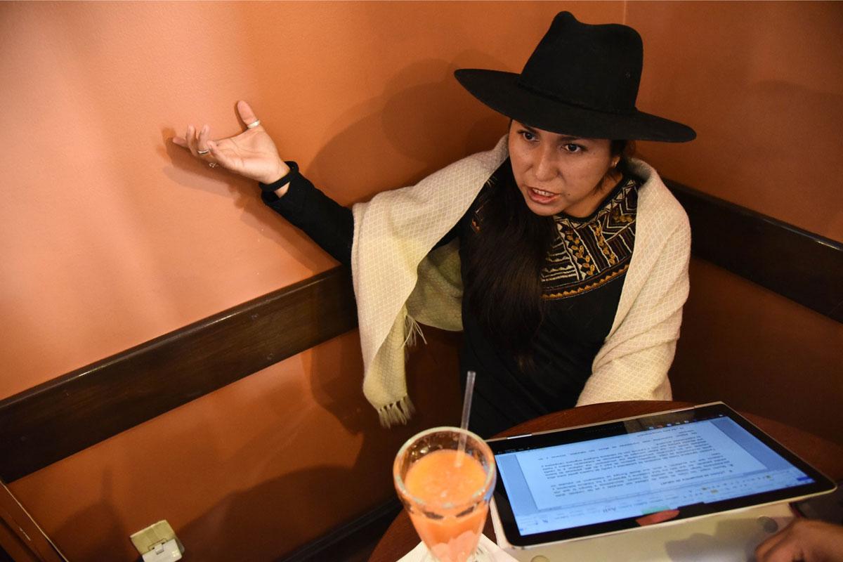 """De Ministra a desocupada: Marianela lucha por su salud y busca """"pega"""""""