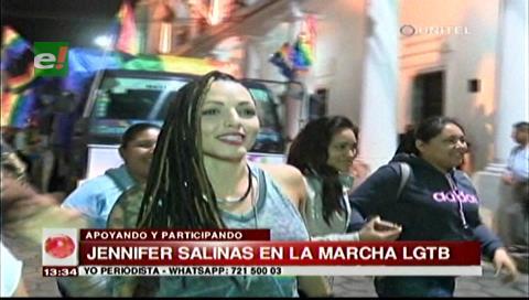 Jennifer Salinas participó de la marcha LGBT