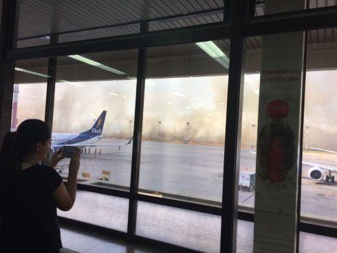 Incendio cerca al aeropuerto de Viru Viru obliga a suspender vuelos