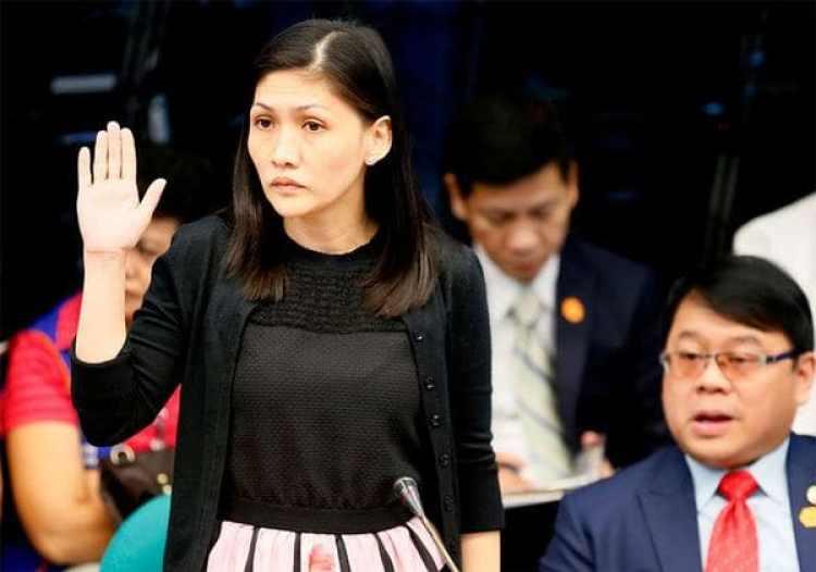 Maia Deguito testificando en el Senado
