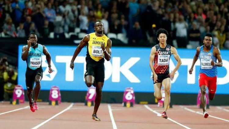 Usain Bolt ganó la carrera preliminar de los 100 metros con un sprint en el último tramo (Reuters)