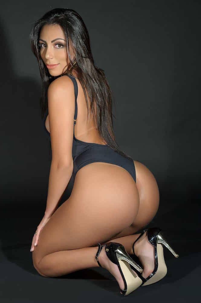 Ana Luiza Neves missbumbumbrasil