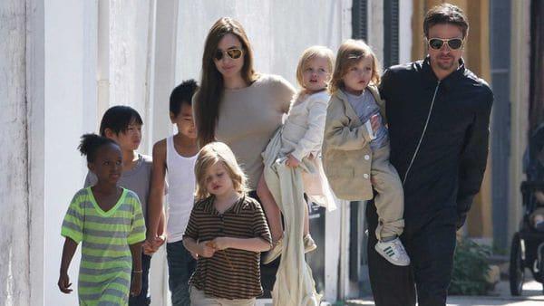 Angelina Jolie y Brad Pitt mantienen