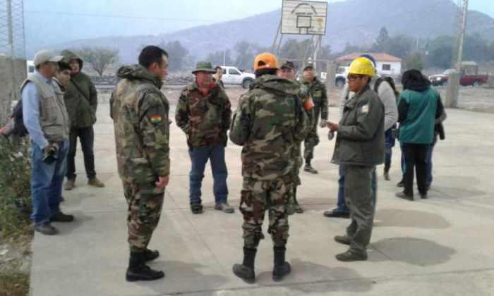 Despliegan tres unidades militares para sofocar el incendio en Erquiz