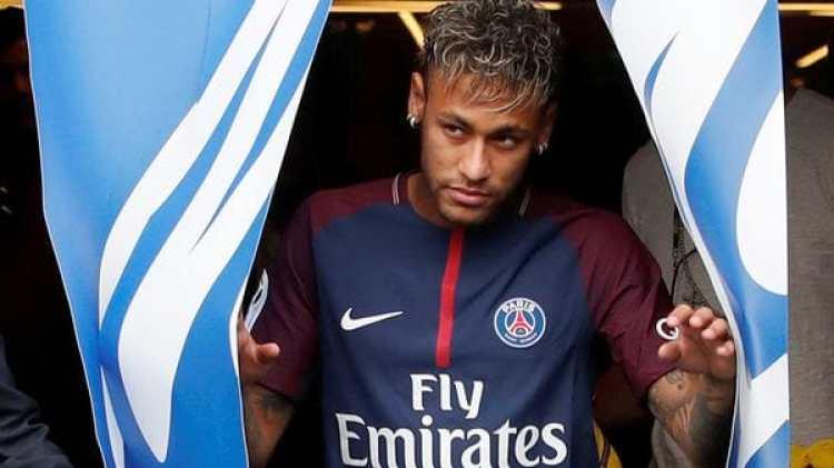 Neymar debutará este domingo con el club parisino (Reuters)