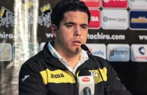 Daniel Farías es el nuevo técnico de The Strongest