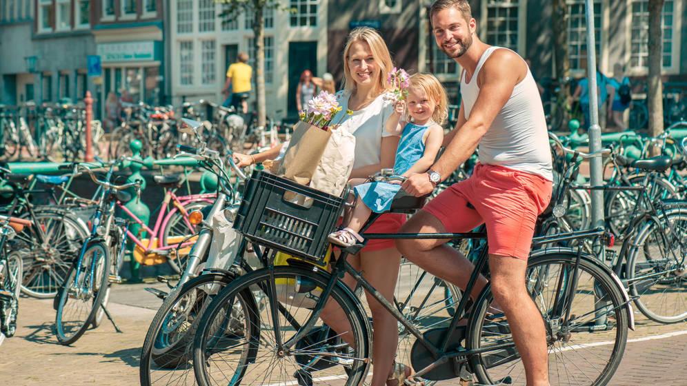 Foto: Familia en Ámsterdam. (iStock)