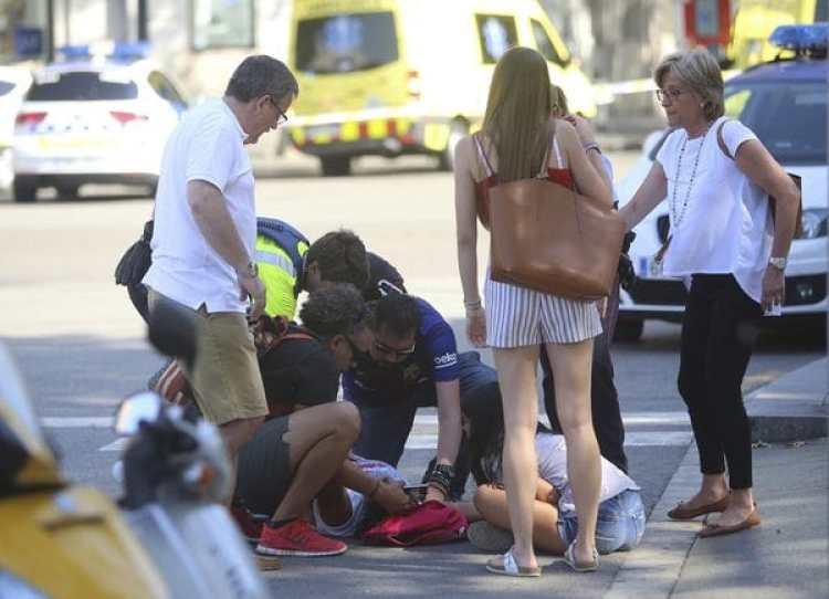 El atentado de Barcelona dejó 13 muertos y más de 100 heridos (AP)