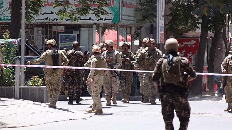Afganistán: Un ataque suicida seguido de un asalto contra una mezquita deja varios muertos en Kabul