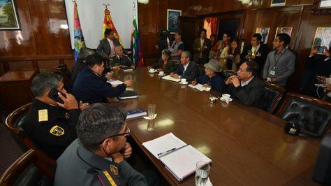 Reunión entre el Alto Mando de las FFAA y miembros de la Comisión de la Verdad. Foto:APG