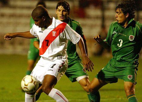 Incidencia de un cotejo que disputaron Perú y Bolivia durante el 2004 en Lima. Foto: Archivo EFE