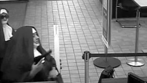 Dos mujeres se disfrazaron de monjas para asaltar un banco