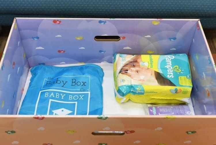 """La """"caja de bebés"""" consiste en varios productos para el bienestar de los recién nacidos (The Washington Post / Matt McClain)"""