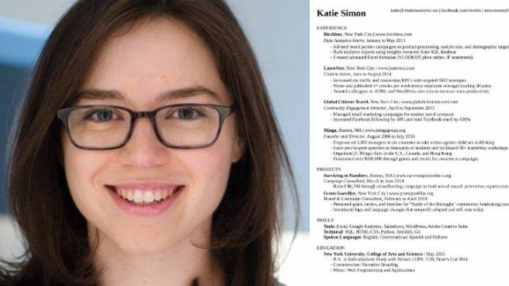 Foto: La protagonista y el documento en cuestión. (LinkedIn)