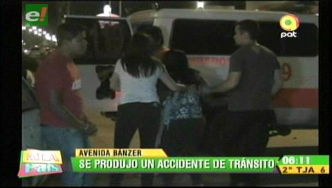 Vehículo impactó contra un poste de alumbrado público