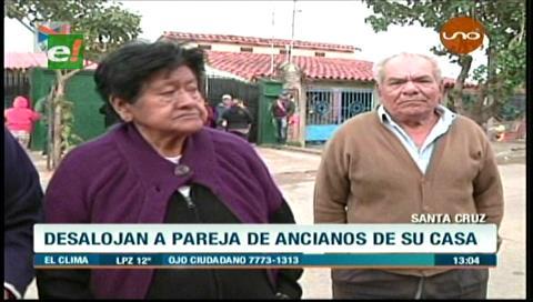 Desalojan de su vivienda a una pareja de ancianos por una deuda de $us 200